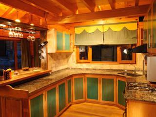 Cocinas de estilo rural de Patagonia Log Homes - Arquitectos - Neuquén Rural Madera Acabado en madera