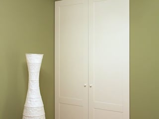 Classic style dressing rooms by Lesomodul Classic