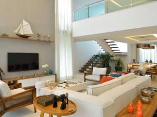 Salas de estilo  por Pinheiro Martinez Arquitetura
