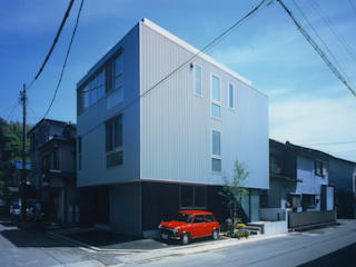 Rumah oleh 原 空間工作所 HARA Urban Space Factory, Modern
