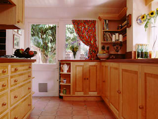 Windsor Kitchen designed and made by Tim Wood Modern Kitchen by Tim Wood Limited Modern