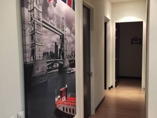 Modern Corridor, Hallway and Staircase by ARKIZA ARQUITECTOS by Arq. Jacqueline Zago Hurtado Modern
