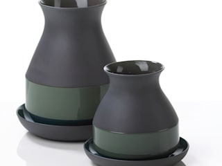 Bat Trang Vases -for Imperfect Design-:   door studio arian brekveld