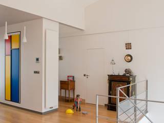 Projekty,  Korytarz, przedpokój zaprojektowane przez MELANIE LALLEMAND ARCHITECTURES, Nowoczesny