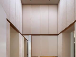 Krailing Moderner Flur, Diele & Treppenhaus von Unterlandstättner Architekten Modern