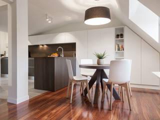 Moderne Esszimmer von Urbana Interiorismo Modern