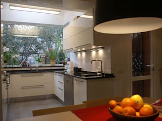 Kitchen by ESTUDIO INTER SIETE