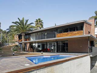 Modern home by AR47 SCP Modern