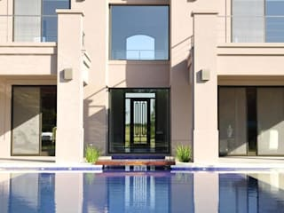 Houses by Parrado Arquitectura, Classic