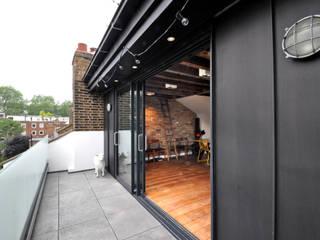 OPPIDANS ROAD, PRIMROSE HILL 根據 E2 Architecture + Interiors 現代風