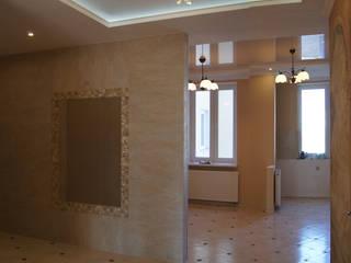 Pasillos, vestíbulos y escaleras de estilo clásico de Андреева Валентина Clásico