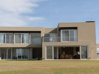 Houses by Parrado Arquitectura