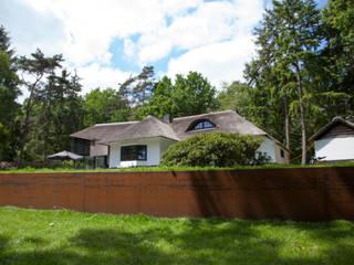 Cortenstaal voor uw tuin: modern  door hoveniersbedrijf Wansink, Modern