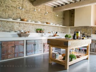 Rustic style kitchen by Marcello Gavioli Rustic