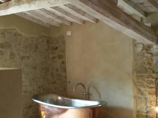 Casale SpecialUmbria.com Camera da letto in stile rustico di Marcello Gavioli Rustico