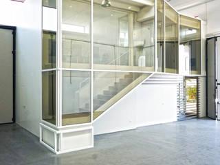 Casas minimalistas por m12 architettura design Minimalista