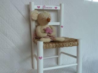 chaise pour enfant personnalisable:  de style  par Urlu & Berlu