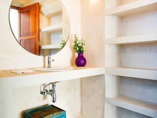 Baños de estilo moderno por Taller Estilo Arquitectura