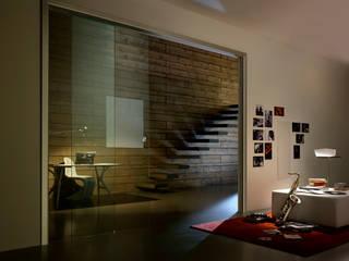 Puertas de vidrio de estilo  por Leon s.r.l.