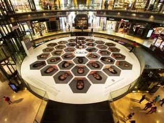 Vinilo impreso para suelo: Espacios comerciales de estilo  de Sabaté Barcelona