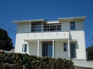 海の見える家: 鶴巻デザイン室が手掛けた家です。,