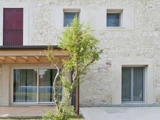 Casa B_Ca'_Dolfin: Case in stile  di Studio Architettura Scattola Associati