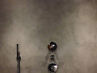 Baños de estilo industrial de Molitli Interieurmakers Industrial