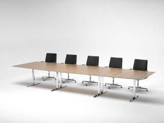 .intra die wandelbaren Tischanlagen : modern  von Spiegels GmbH & Co. KG,Modern