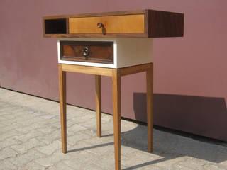 Cassettini: modern  by John Wilson Design, Modern