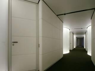Puertas y ventanas modernas de RAFAEL VARGAS FOTOGRAFIA SL Moderno