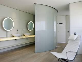 Baños de estilo moderno de RAFAEL VARGAS FOTOGRAFIA SL Moderno