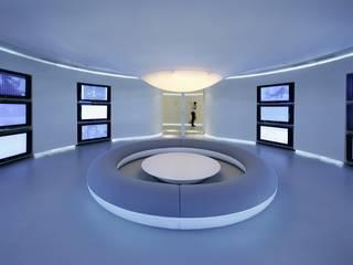 Pasillos, vestíbulos y escaleras de estilo moderno de RAFAEL VARGAS FOTOGRAFIA SL Moderno