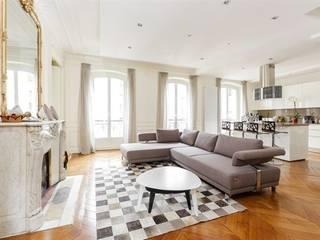 Rénovation complète d'un appartement à Paris - Photos: Sébastian Erras Salle à manger moderne par QUID Architecture Moderne