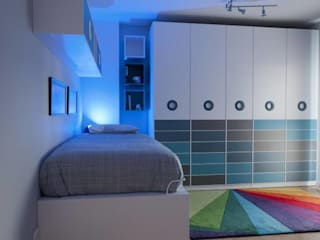 Habitación Juvenil Blanco, azules y grises: Dormitorios infantiles de estilo  de LA ALCOBA