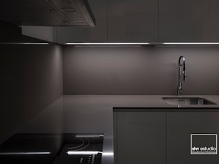 slvr estudio Minimalist kitchen