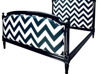 Łóżko Chevron B&W od www.hamptonhouse.pl: styl , w kategorii  zaprojektowany przez Hampton House