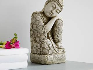 Stone Buddha Statue van rigby & mac Eclectisch