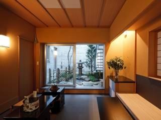 茶室空間 広間・小間・立礼席 和風デザインの 多目的室 の 忘蹄庵建築設計室 和風