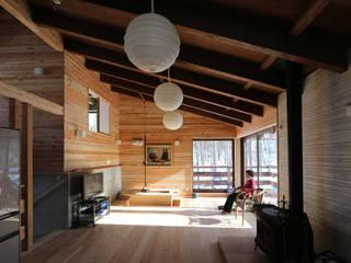 Livings de estilo escandinavo de 一級建築士事務所 クレアシオン・アーキテクツ Escandinavo