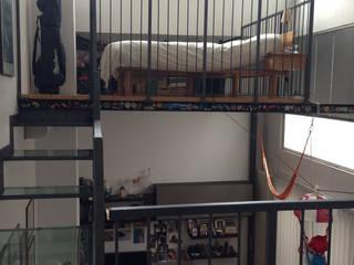 loft abitazione Camera da letto moderna di studio architettura terzaghi Moderno