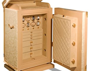 Luxury safes di EYES DESIGN IT Limited Moderno
