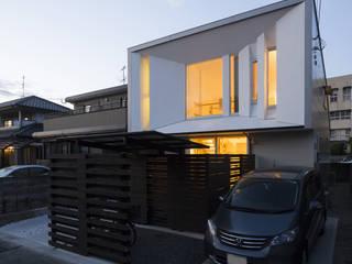ファサード: 岩瀬隆広建築設計が手掛けた家です。