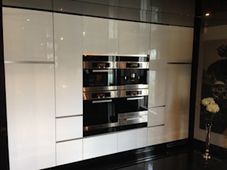 Kitchen respray in Knightsbridge :   by ProSpray London Ltd