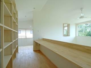八龍の家 / House in Hachiryu 市原忍建築設計事務所 / Shinobu Ichihara Architects モダンデザインの 多目的室