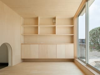 3つの屋根 / Triple Roof 市原忍建築設計事務所 / Shinobu Ichihara Architects モダンデザインの ダイニング