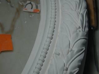 Moldura de gesso_ Plaster Frame: Paredes  por Iva Viana Atelier de Escultura,Clássico