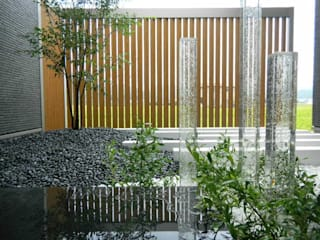 坪庭 Y-house.: フラワーチルドレン(Flower children )が手掛けた庭です。