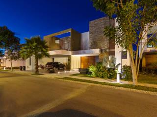 Case in stile in stile Moderno di Enrique Cabrera Arquitecto