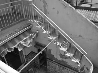 Casa Manel y Ana:  de estilo  de La Errería * architecture office