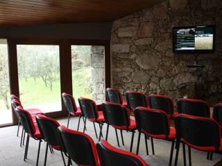 Moinhos da Rapa - Celorico da Beira Casas rústicas por ARKIVO Rústico